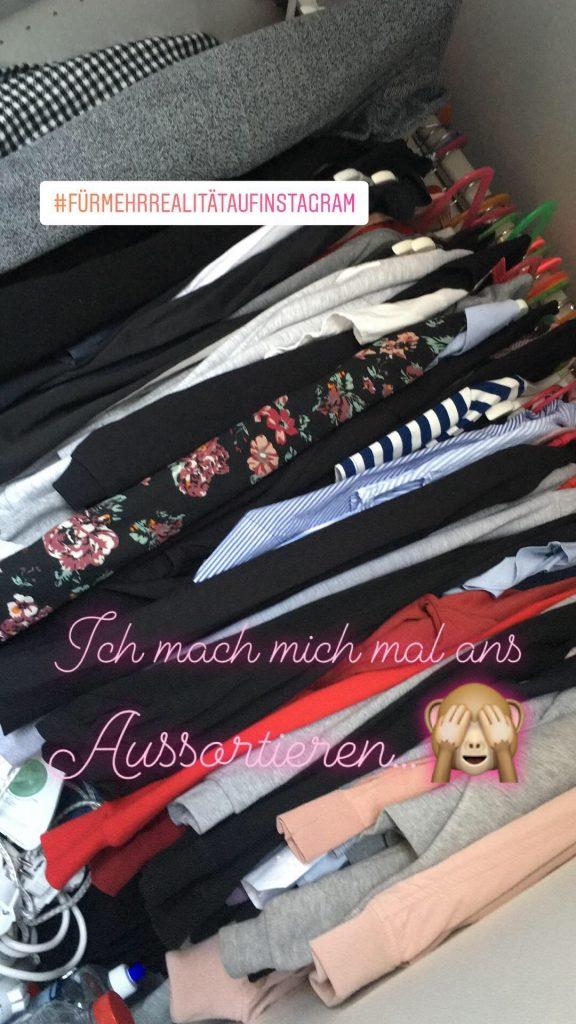 Ausmisten im Kleiderschrank
