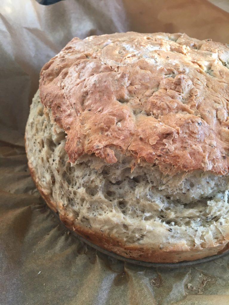 Dinkel-Chia-Brot nach Minimenschlein